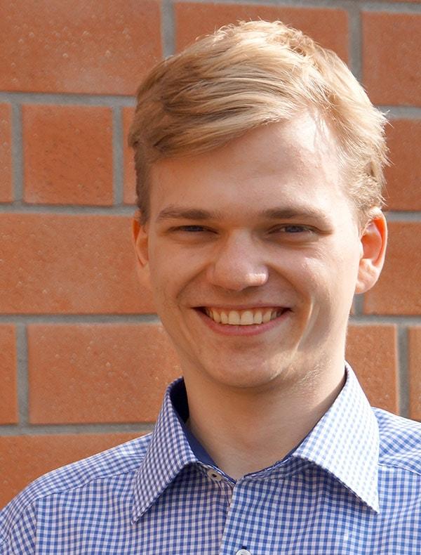 WirCom Azubi Joshua Krampf installierte die VoIP TK-Anlage